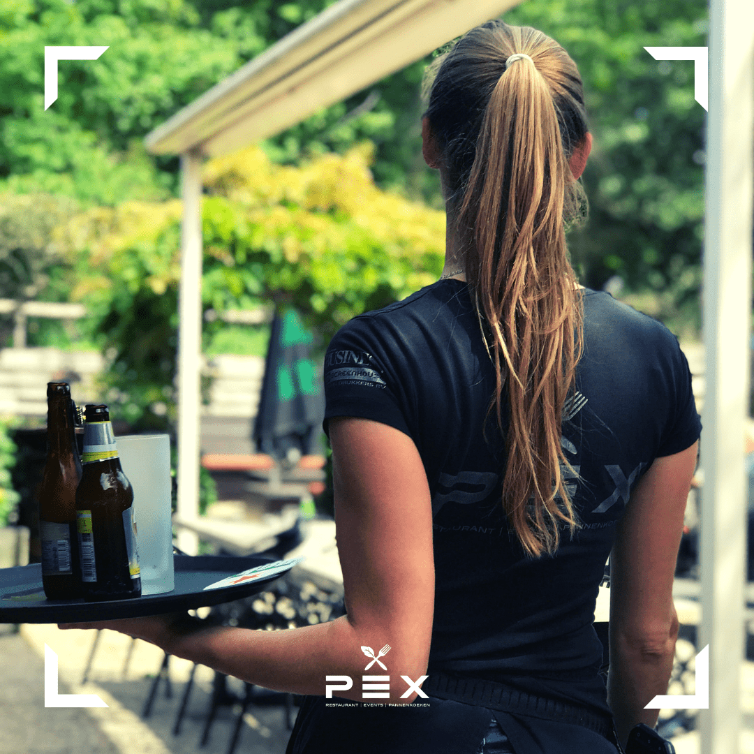 Vacatures kok en bediening restaurant PEX Den Haag.